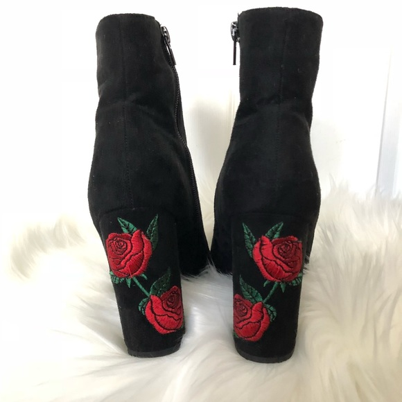 Wild Diva Shoes | Black Ankle Booties